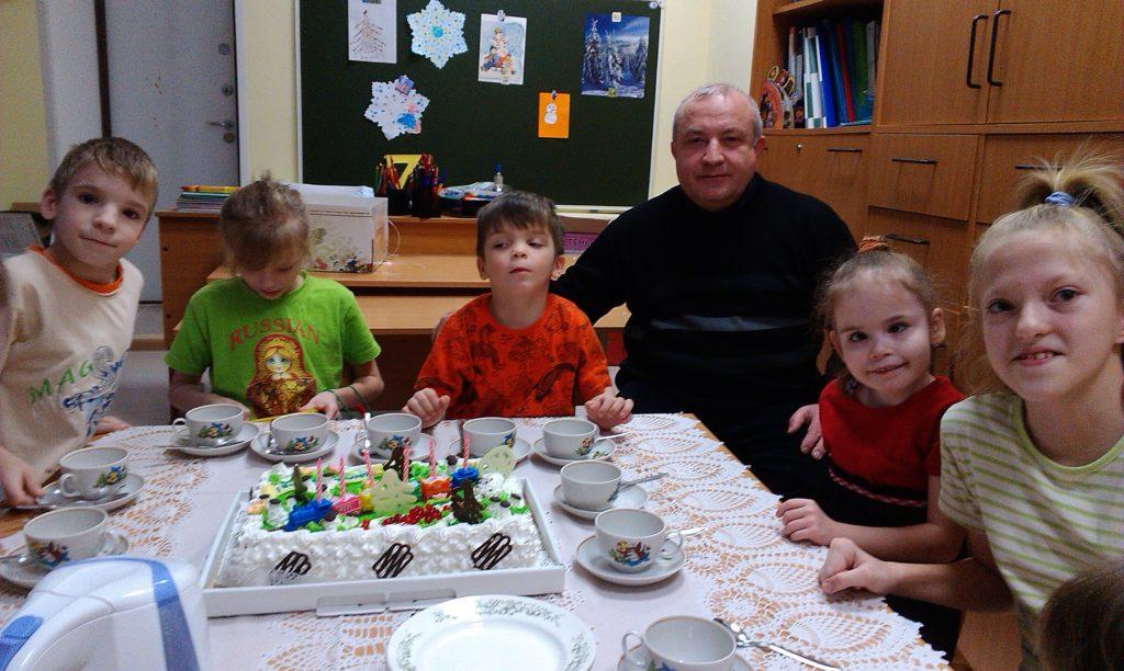 шефство над детским домом